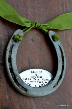The Shamrock Love and Luck Horseshoe! add leather on top and metal under to make door knocker Horseshoe Crafts, Lucky Horseshoe, Horseshoe Art, Unique Housewarming Gifts, Equestrian Decor, Realtor Gifts, Horse Crafts, Luck Of The Irish, St Patricks Day
