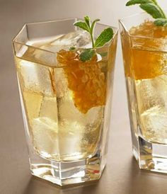 GREY GOOSE® Vodka | Heather 81 | GREY GOOSE® Original 2 Parts Honey ¾ Parts Hot Water ½ Parts Mint Leaves 6 DRAMBUIE® Liqueur ½ Parts Honeycomb 1 Piece