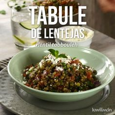 Video de Tabule de Lentejas This rich dish of lentil tabule is a delight, as it is fresh and tastes delicious. Veggie Recipes, Mexican Food Recipes, Vegetarian Recipes, Cooking Recipes, Healthy Recipes, Tasty Videos, Food Videos, Healthy Snacks, Healthy Eating