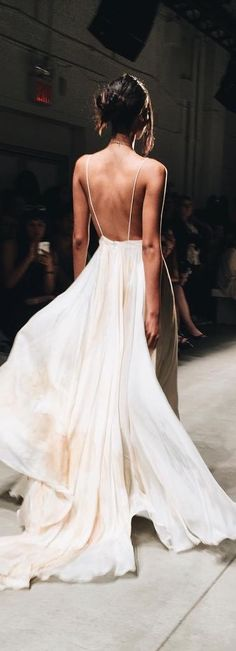 Magnificient Haute Couture. #hautecouture  wedding dress ♥♥♥ re pinned by www.huttonandhutt... @HuttonandHutton #HuttonandHutton Source by miamoo3 #Accessorize #fashion
