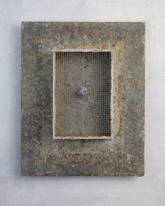 Functionless rust concrete iron grating wood, by Christian Hetzel Concrete Art, Art Brut, Found Art, Assemblage Art, Texture Painting, Box Art, Installation Art, Ceramic Art, Collage Art