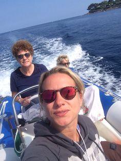 Costa Azzura. Mentre guido qualcuno fa selfie