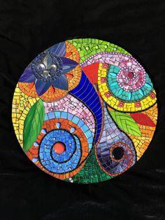 Paradise stained glass mosaic mandala mosaic art мозаичное и Mosaic Garden Art, Mosaic Tile Art, Mosaic Pots, Mosaic Artwork, Mirror Mosaic, Mosaic Crafts, Mosaic Projects, Mosaic Glass, Stained Glass