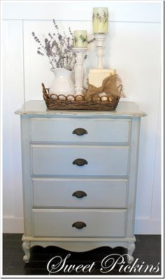 Darling little chest of drawers in white