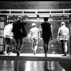 Twitter Shinee Jonghyun, Lee Taemin, Beautiful Boys, Pretty Boys, Kpop, Shinee Five, Shinee Debut, Shinee Albums, Choi Min Ho