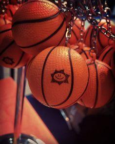 Portachiavi antistress personalizzato a forma di palla da basket. In PU. Dimensioni: 4cm