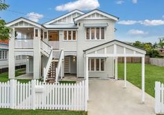 As a leading Queenslander Renovation builders, Corella Construction pride themselves on finding the right extension option for your home. Outdoor House Colors, Queenslander House, Raised House, Carport Designs, Modern Shed, Exterior Makeover, House Paint Exterior, Build Your Dream Home, House Goals