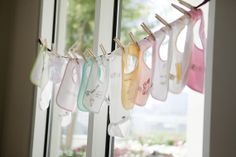 Get everything you need with this baby shower registry checklist {Photo by Andrea Taylor Studio}