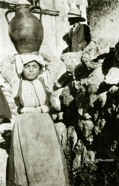Corfu old photos-girl carry water 1930 Greek Traditional Dress, Corfu Greece, Where To Go, Old Photos, Travel Guide, The Past, Greeks, Statue, Island