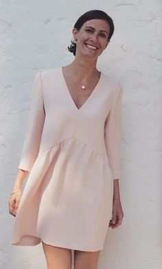 Robe rose - Like Tutorial and Ideas Simple Long Dress, Simple Dresses, Chic Outfits, Pretty Outfits, Dress Skirt, Dress Up, Gala Dresses, Fashion Moda, Elegant Outfit