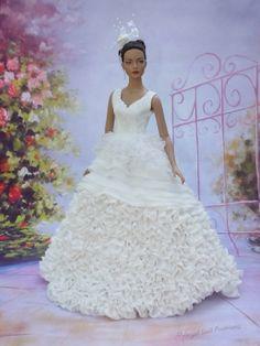 "Wedding gown for Sydney 16""Tonner doll"