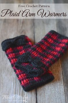 Crochet Plaid Arm Warmers - Free Crochet Pattern - Whistle and Ivy - All Things Crochet! Crochet Patterns, techniques, inspiration and more! Plaid Crochet, Crochet Winter, Cute Crochet, Crochet Scarves, Crochet Crafts, Crochet Yarn, Crochet Clothes, Crochet Ornaments, Crochet Snowflakes