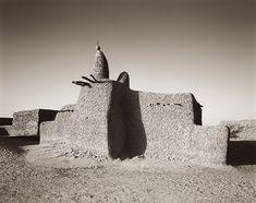 Photograph by Sebastian Schutyser Adobe mosque, Mali http://www.sebastianschutyser.com/engels/banco-03.html