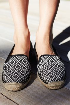 Get inspired by our new #Esprit #SS15 monochrom printed cotton slippers - discover our new #SS15 styles.