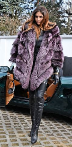 Violet Royal Saga Silver Fox Fur Poncho Like Sable Mink Chinchilla Coat Jacket | eBay Fur Fashion, Winter Fashion, Womens Fashion, Fashion Outfits, Fabulous Furs, Fox Fur Coat, Fur Coats, Winter Stil, Sexy Boots