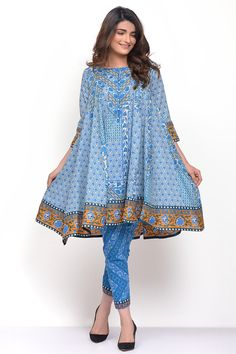 Khaadi Stylish Summer Kurtas Dresses Ready to Wear Pret Spring Collection Pakistani Dresses Casual, Pakistani Dress Design, Indian Dresses, Indian Outfits, Stylish Dresses For Girls, Simple Dresses, Casual Dresses, Stylish Dress Book, Summer Dresses