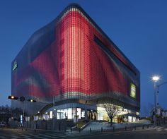 Zumtobel Lights Up Urban Spaces