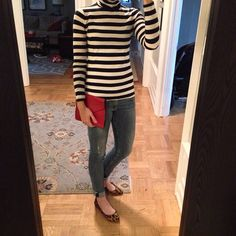 Instagram @headedoutthedoor #ootd || #jcrew turtleneck | #hm jeans | #madewell flats | #gap clutch