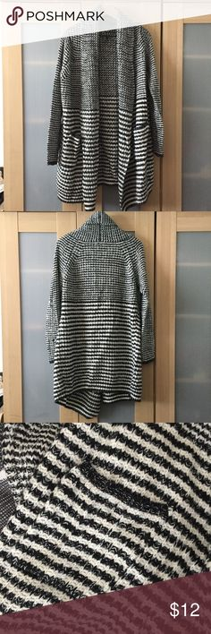 EUC F21 Stripe Duster Cardigan with Shawl Collar Worn once! Tags cut off for comfort. 100% acrylic. Has pockets and drapey shawl collar. Best fits S/M. Forever 21 Jackets & Coats