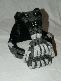 crocheted-bane-mask-5.jpg