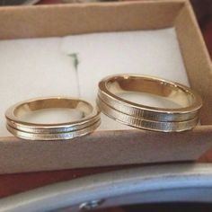 His & Hers matching Wedding Bands simple, elegant and chic! #lilyanddahliajewelry