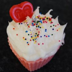 Valentines-Day-Cupcake-Candle