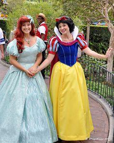 Ariel and Snow White ... BFFS