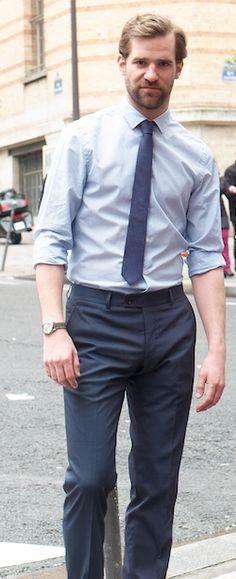 Christophe, travaille dans l'immobilier. Il est habillé en Emile Lafaurie.