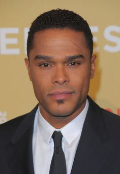 Singer Maxwell  attends the 2009 CNN Heroes Awards held at The Kodak Theatre on November 21, 2009  in Hollywood, California.