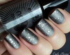 Mattified glitter nails