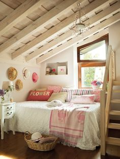 37 Ultra-fabulous attic room design inspirations on We Heart It - http://weheartit.com/entry/67044597