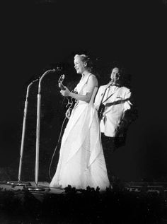 Les and Mary preforming