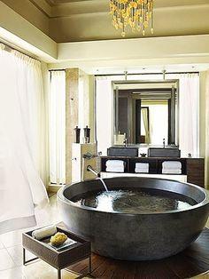"""Amazing """"Cauldron"""" bathtub"""