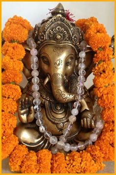 Ganpati Bappa Morya ☺ Ganesh Lord, Sri Ganesh, Ganesha Art, Lord Shiva, Om Gam Ganapataye Namaha, Ganesh Tattoo, Indian Gods, Indian Art, Ganpati Bappa
