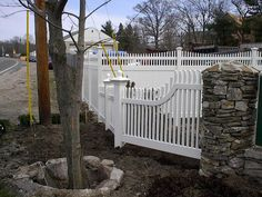 "PVC Vinyl Fence Custom Drop Radius Mt. Vernon with 6½+6½"" Posts & Ball Caps"