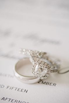 Gorgeous cushion cut engagement ring   Photography: Shannon Michele - http://shannonmichelephotography.com/