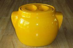 Beauceware #2217 Canister - Céramique de Beauce Canisters, Hearth, Vintage Designs, Tea Pots, Kitchen Appliances, Jar, Pottery, Retro, Tableware
