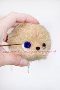 Уже наполовину готовые белки приваливаем к мордочке вокруг глазок с помощью сначала грубой, потом тонкой игл для валяния. Вы можете менять иглы от грубой до тонкой, чувствуя, какая игла в данный момент более всего подходит.  Онлан мастер-класс по пошиву мишки тедди, совместный пошив мишки тедди, как пошить мишку тедди,  шьем вместе мишку тедди с NatalKa Creations  Онлан мастер-класс по пошиву мишки тедди, совместный пошив мишки тедди, как пошить мишку тедди,  шьем вместе мишку тедди с…