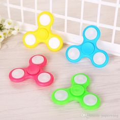 LED light Fingers Fidget Spinner Hand Spinner Acrylic Plastic Fidgets Gyro Toys With Retail Box free DHL