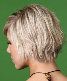 15 Razor Cuts for Short Hair | http://www.short-hairstyles.co/15-razor-cuts-for-short-hair.html