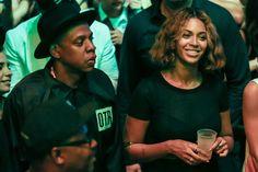 Beyonce chops her locks again!!  Love it.