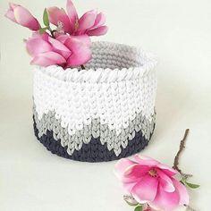 Клуб любителей ТРИКОТАЖНОЙ ПРЯЖИ Diy Crochet Basket, Knit Basket, Crochet Home, Crochet Gifts, Knit Crochet, Quick Crochet Patterns, Crochet Designs, Crochet Needles, Crochet Stitches