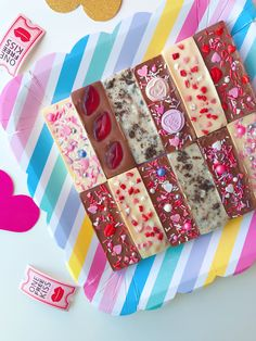 Fun sprinkles and colourful chocolates. by Rainbowsweettreats Confettiandsprinkle Homemade Chocolate Bars, Artisan Chocolate, Chocolate Sweets, Chocolate Bark, Chocolate Gifts, Chocolate Truffles, Chocolate Lovers, Chocolate Recipes, Bolos Naked Cake