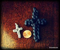 vertical crown knot crosses