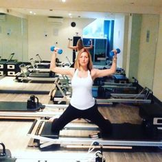 Ready for some kneeling inner thighs? Take all the springs off, unless you are #pregnant you may want to leave your lightest spring on for a little more support and be careful not to open too wide. Keep the glutes engaged to protect the lower back. Add which ever arm variations on you like! #powerpilatesuk #pilates #reformerpilates #health #fitness #fit #pregnancyfitness #fitnessaddict #fitspo #workout #bbg #bbggirls #bbgcommunity #training #health #healthy #instahealth #pregnancy #active…