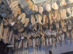 Ex-votos em formato de pernas, cabeças, mãos, documentados na sala da milagres da Igreja Senhor do Bomfim, em agosto de 2011, em Salvador.