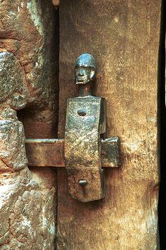 Dogon Door Lock Detail. Mali | ©Huib Blom