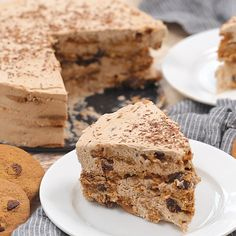 Ice Box Cake Mocha Chocolate Chip Cookie Icebox Cake - A no-bake dessert that will make you swoon!Mocha Chocolate Chip Cookie Icebox Cake - A no-bake dessert that will make you swoon! No Bake Desserts, Easy Desserts, Delicious Desserts, Yummy Food, Food Cakes, Cupcake Cakes, Cupcakes, Cake Recipes, Dessert Recipes