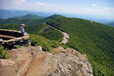 Craggy Pinnacle Hike - 1.45h drive to craggy gardens.  1.4 mile round trip hike to 5,800' elevation.  'Above the clouds'