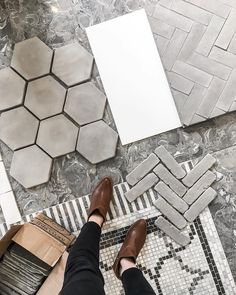 On Wednesday, I kick off my bathroom renovation series with a BIG post covering my design plan, the choices I made and why, final pieces I picked, inspiration + more! Big thanks to @deltafaucetcan @creeksidetile and @lowes_canada for helping make this long-awaited reno happen.   #greyfordays #hex❤️#artobrick #tileaddiction
